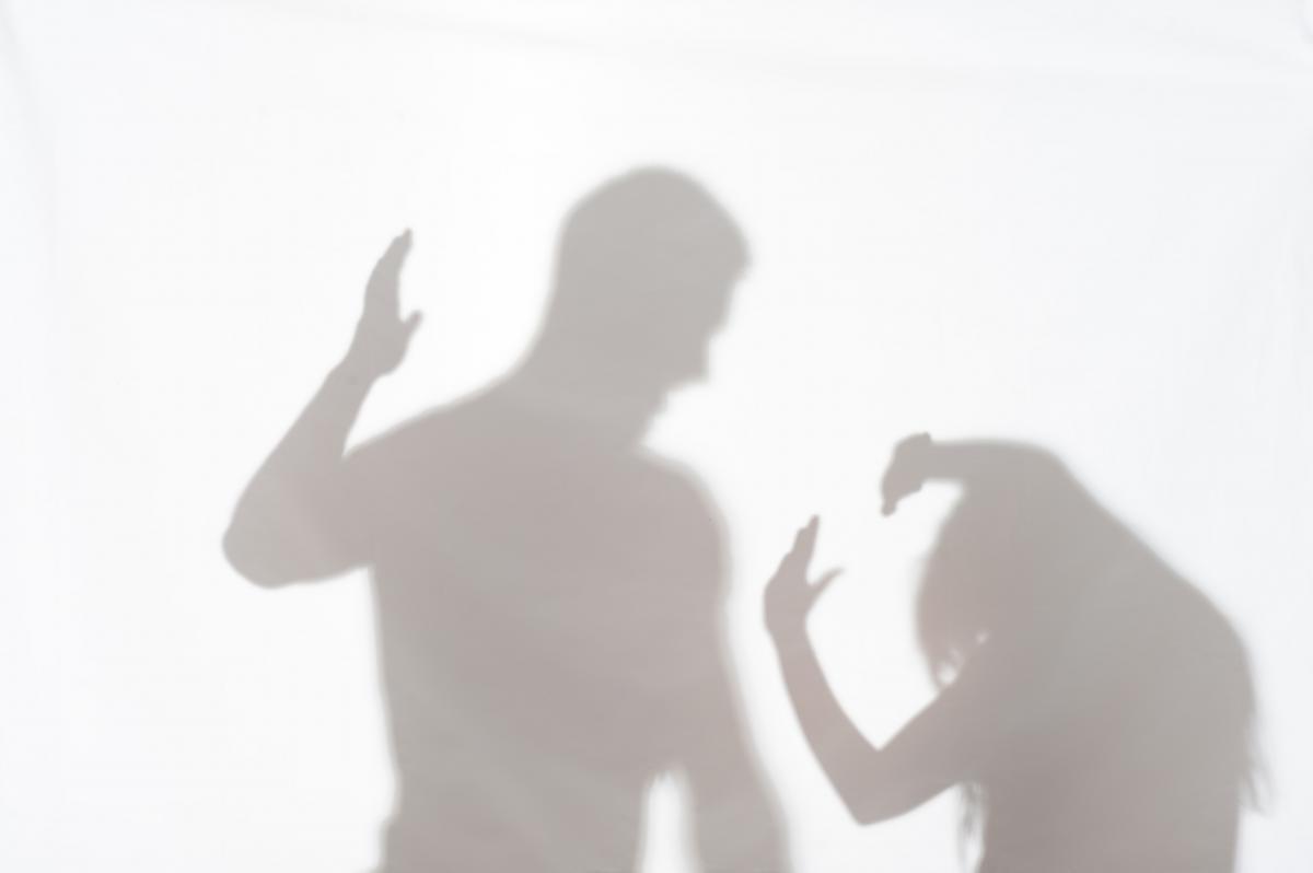 50-летний мужчина обругал и ударил женщину / фото ua.depositphotos.com
