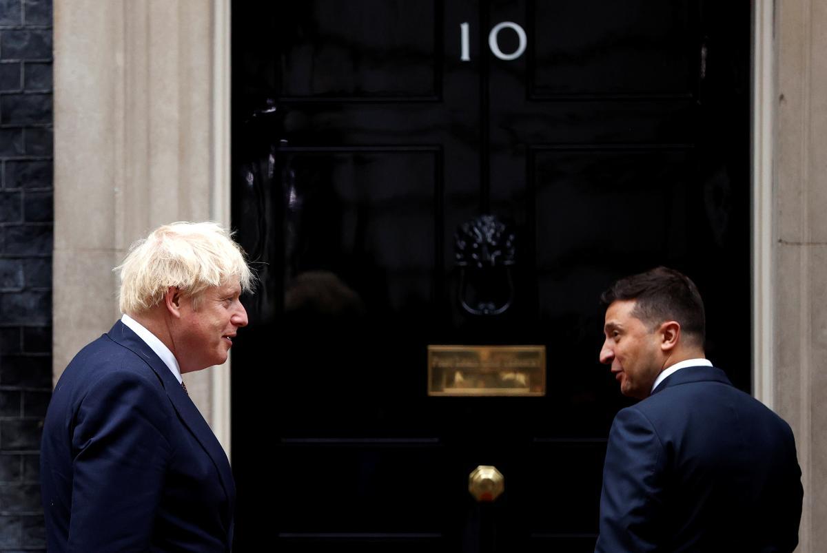 """Британія готова допомогти Україні, щоб довести свій статус """"великого гаравця""""/ REUTERS"""