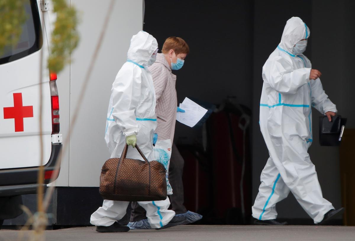 Родственники умерших медиков получили от государства 3 млн 610 тыс. 100 грн / фото REUTERS