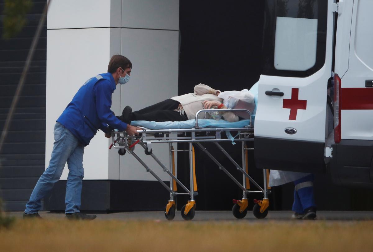 В стационарах больниц Киева в тяжелом состоянии находятся более 850 больных COVID-19 / фото REUTERS