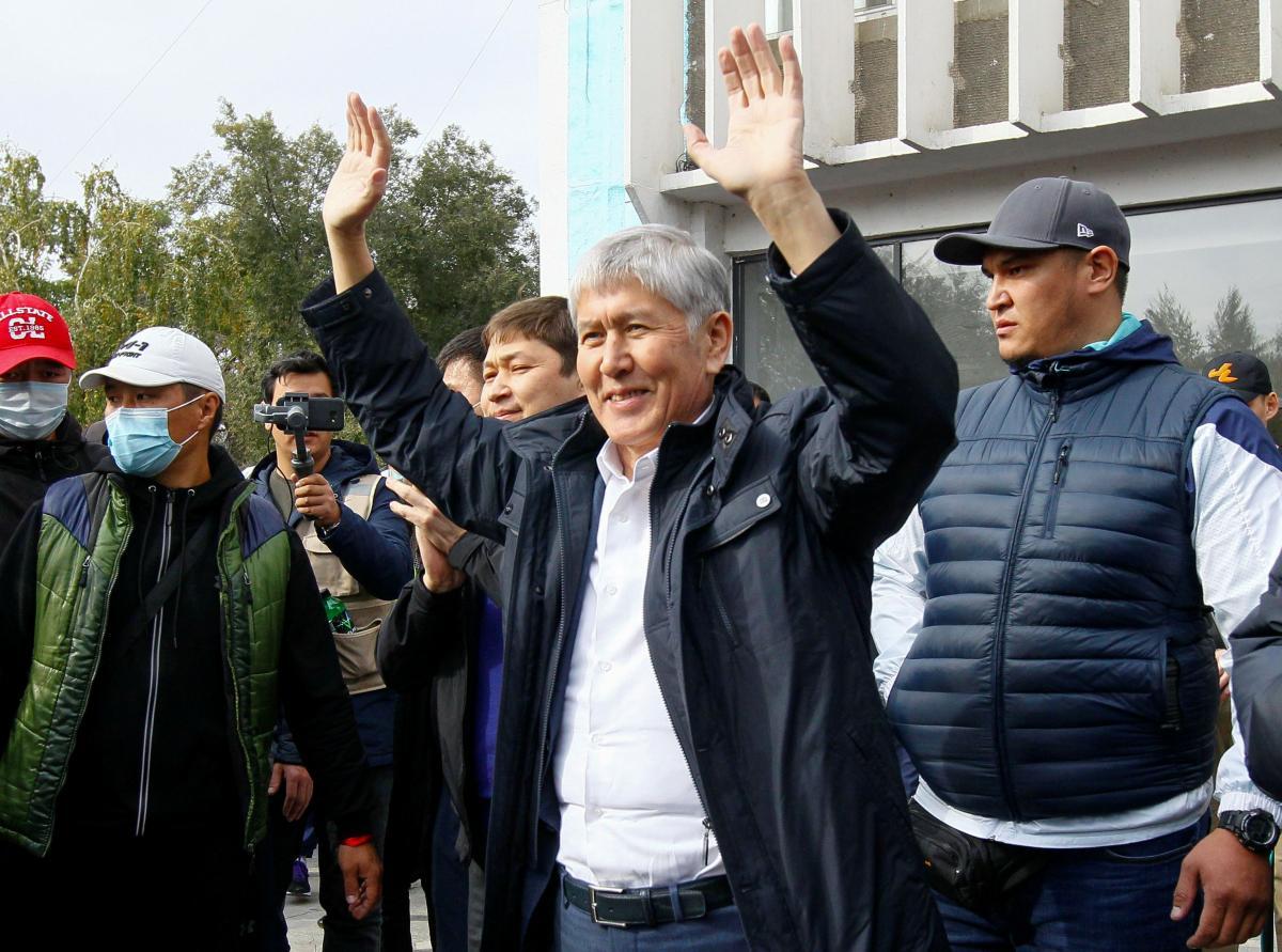 Кыргызстан - стреляли в Атамбаева: детали / REUTERS