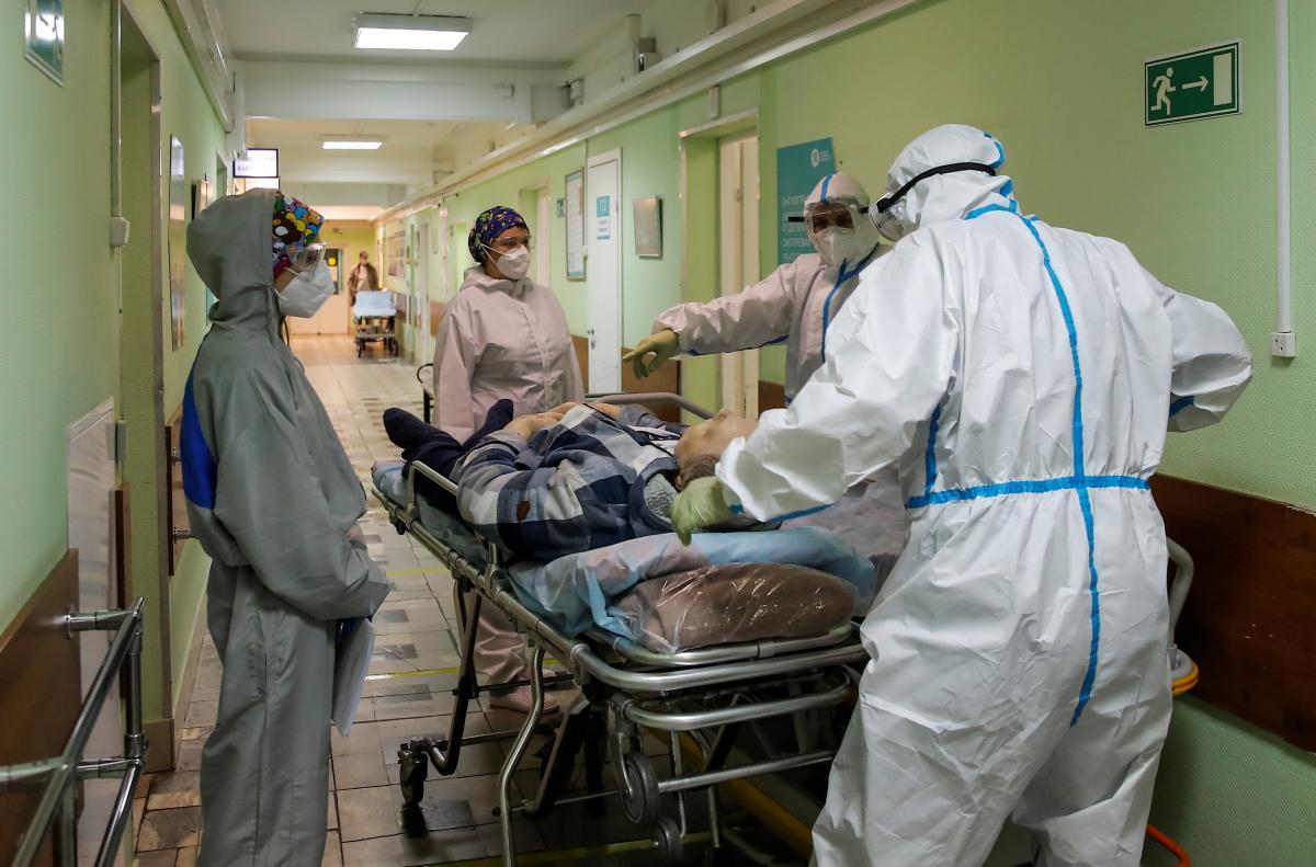 Всего в мире 38,8 миллионов инфицированных/ фото REUTERS