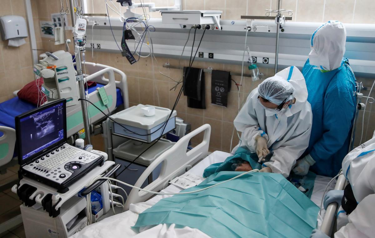 В мире зарегистрирована первая смерть от COVID-19 при повторном заражении / фото REUTERS