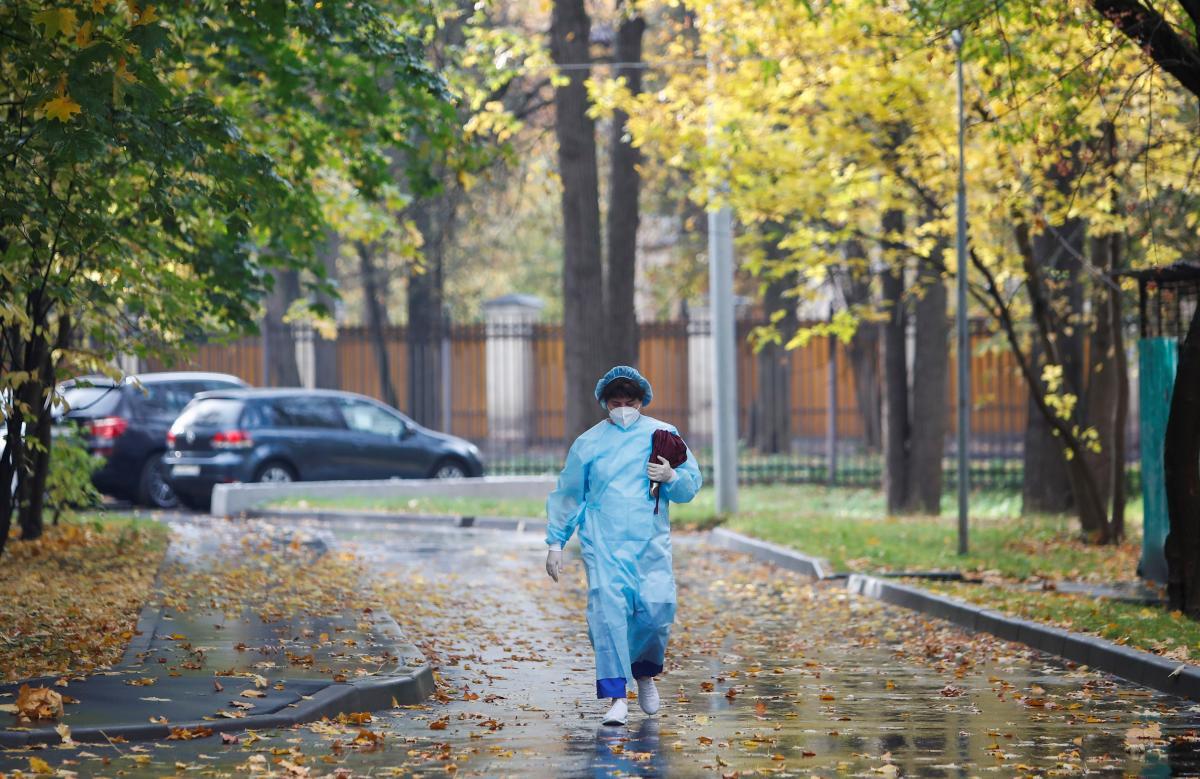 Голубовская напомнила о необходимости тщательно мыть и обрабатывать руки / фото REUTERS