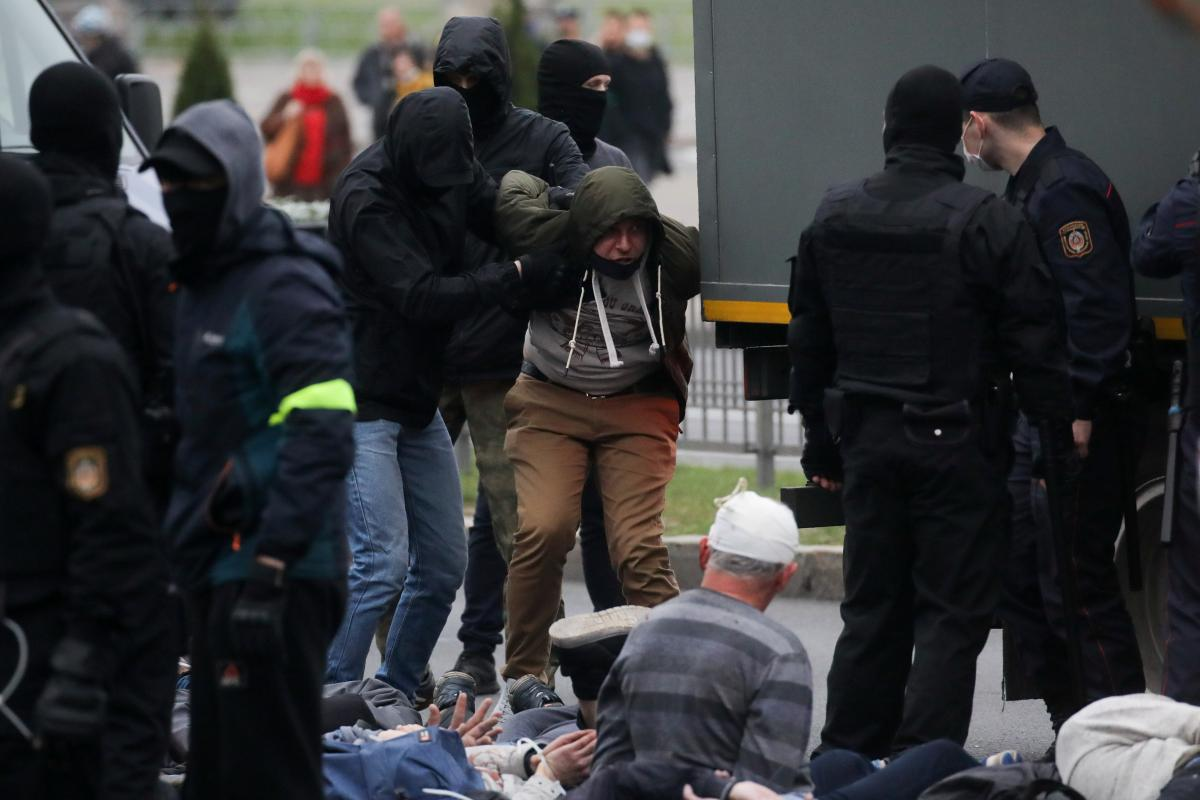 """Страны """"Веймарского треугольника"""" осудили насилие в Беларуси / REUTERS"""