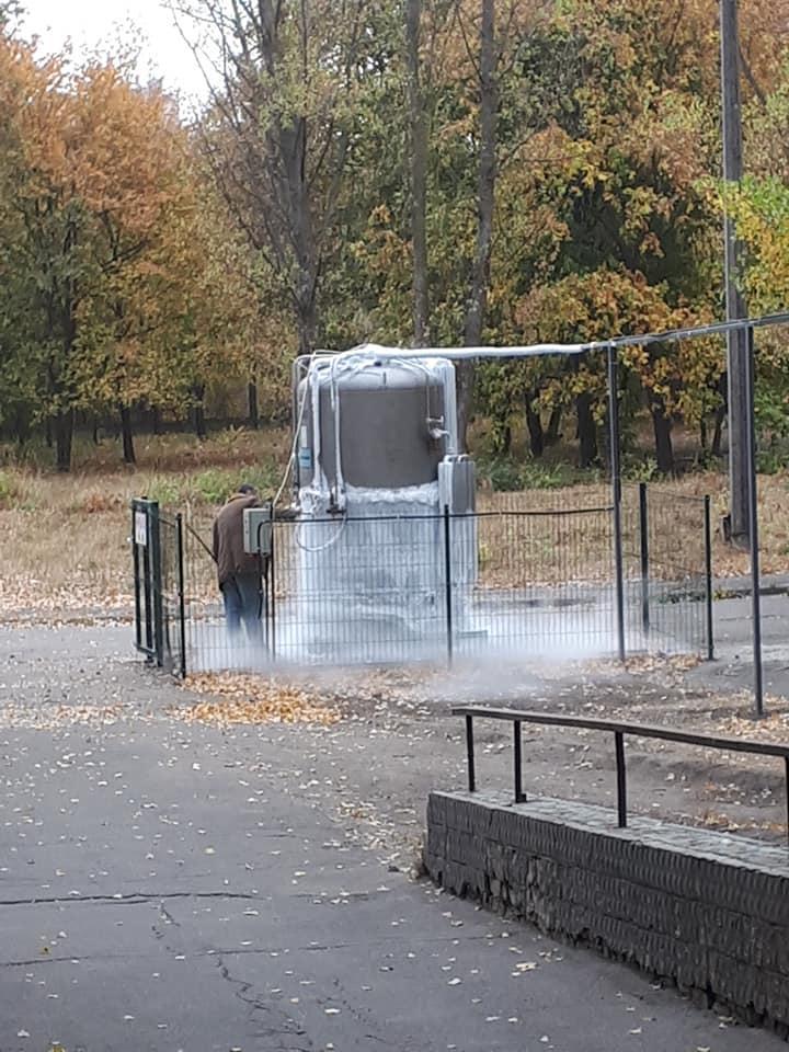 В харьковских больницах кислородные системы перегружены, бочки и магистрали покрыты льдом / фото facebook.com/korsunoff
