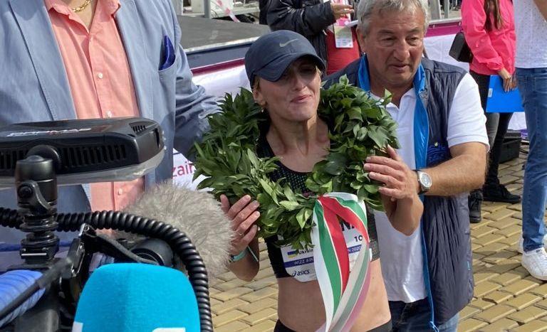 Виктория Хапилина - победительница марафона / фото twitter.com/JRNHeadlines