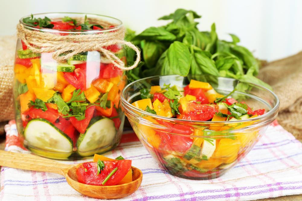 Рецепт вкусного салата на зиму / фото smachno.ua