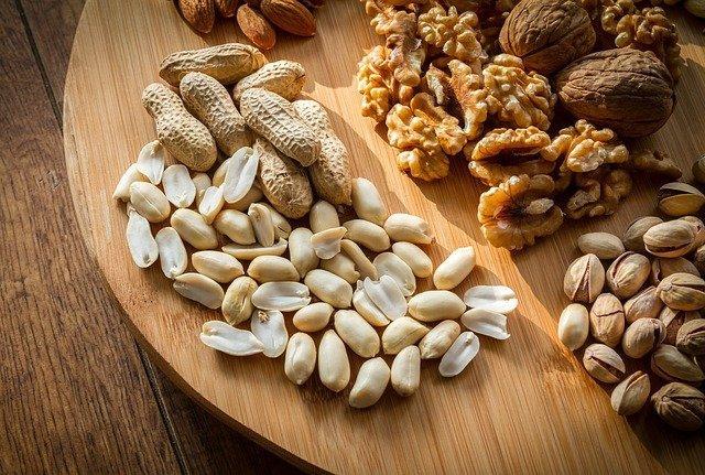 Как сушить орехи на зиму / фото pixabay