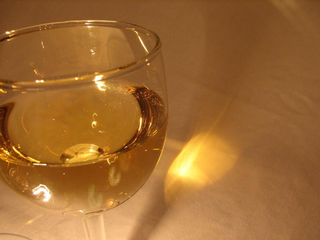 Как сделать белое вино из винограда / фото flickr.com