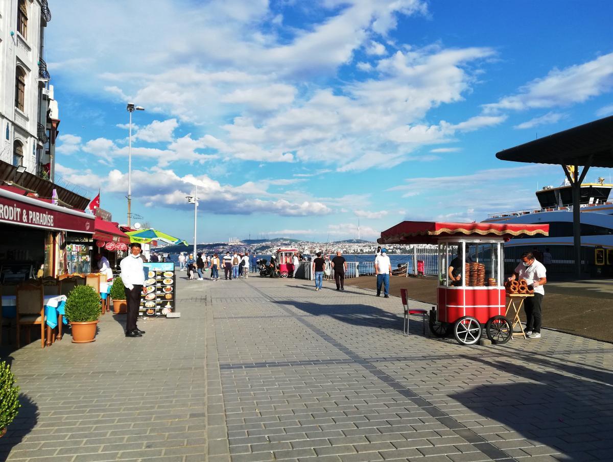 Колоритная набережная Стамбула / фото Марина Григоренко