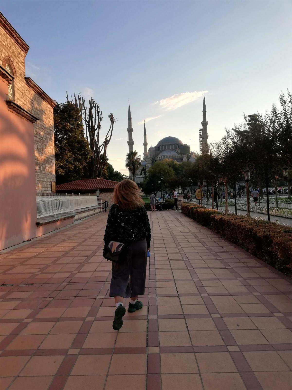Голубая мечеть и Айя-София расположены в нескольких сотнях метров друг от друга / фото Марина Григоренко
