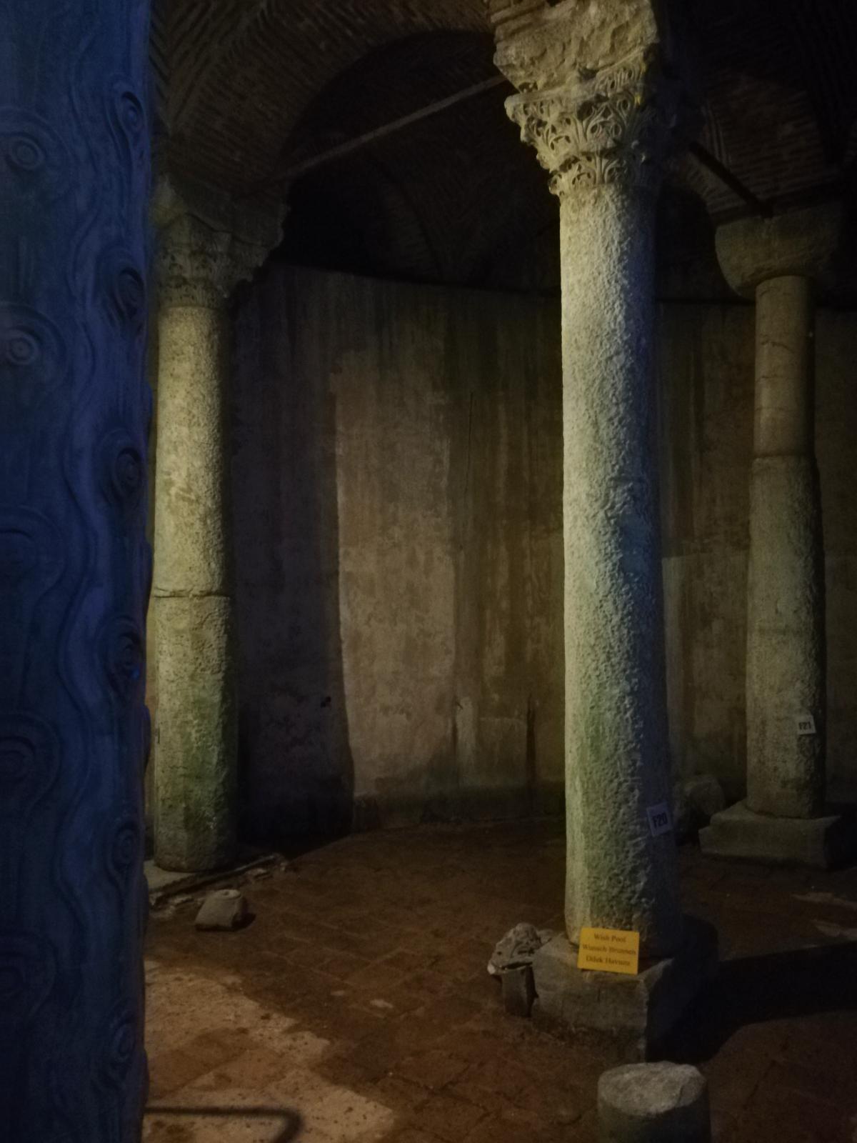 Внутри Базилики Цистерна / фото Марина Григоренко