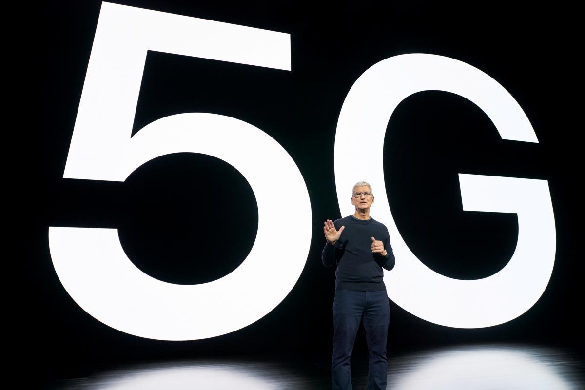 Тім Кук розповів про нові девайси Apple / REUTERS
