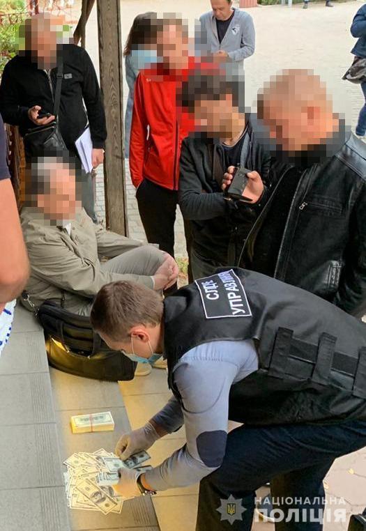 Голову виборчкому затримали за підкуп виборців/ фото od.npu.gov.ua