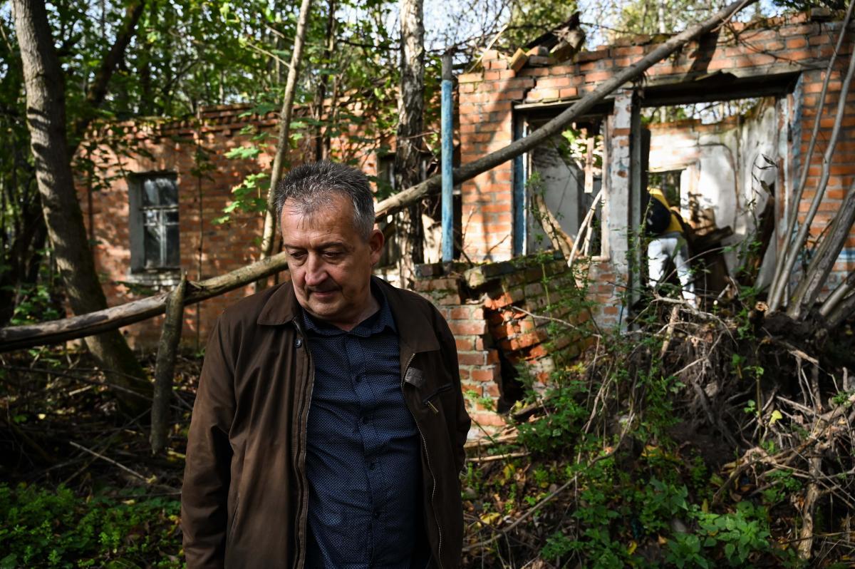 Дом, построенный дедом, через несколько лет исчезнет / фото УНИАН, Вячеслав Ратынский