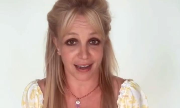 Бритни Спирс напугала фанатов / скриншот с видео