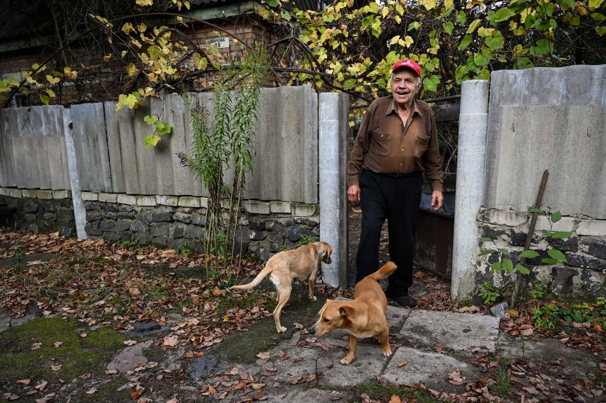 Виктор Петрович всю жизнь работал в Полесском и не захотел его покинуть / фото УНИАН, Вячеслав Ратынский