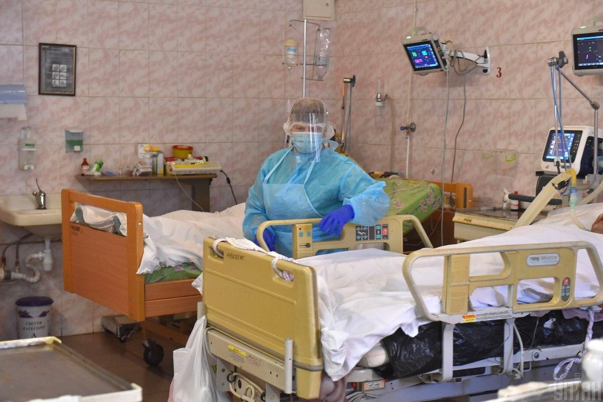 У стаціонарах медзакладів столиці наразі лікуються майже 1,3 тис. хворих на COVID-19 / фото УНІАН, Олександр Прилепа