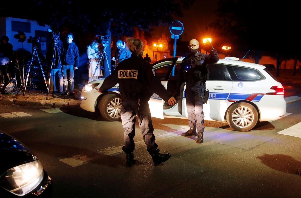 В пригороде Парижа исламист жестоко зарезал школьного учителя / фото REUTERS