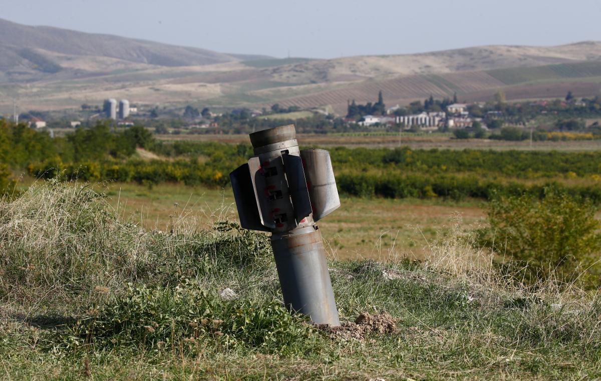 Нагірний Карабах - сторони звинуватили один одного у ракетних ударах / REUTERS