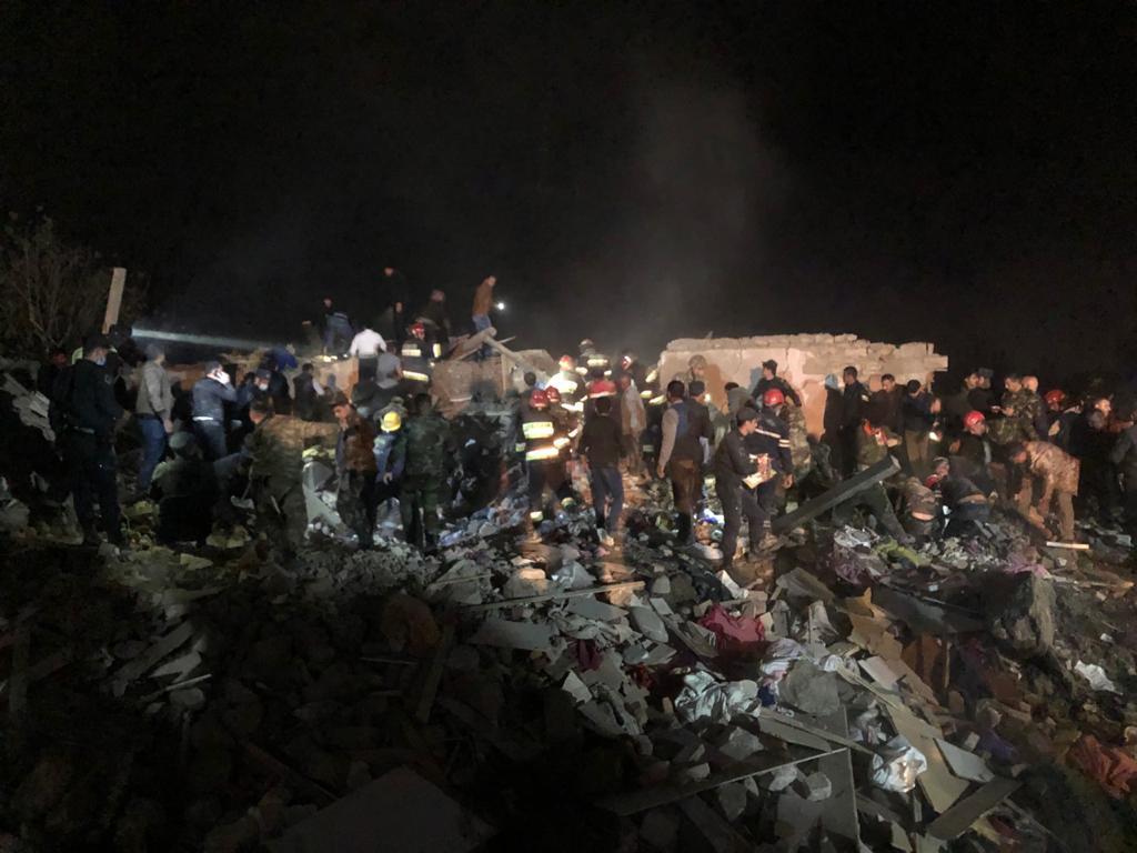 У посольстві зазначили, що будь-які атаки на цивільні об'єкти і мирне населення не мають виправдання / фото Hikmet Hajiyev