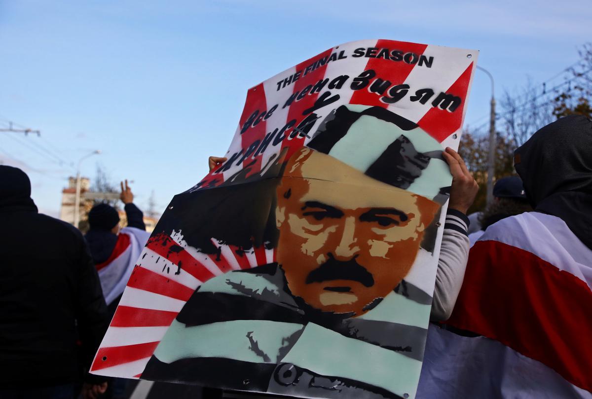 У Білорусі засуджених за участь у протестах проти Лукашенка позначають спеціальними ярликами/ фото:REUTERS