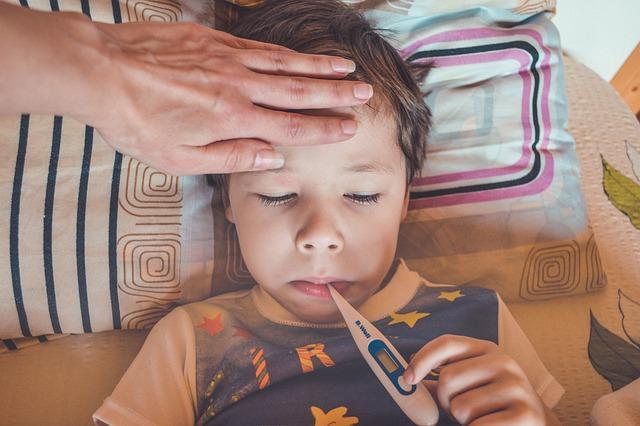 Коронавирус у детей симптомы / фото pixabay