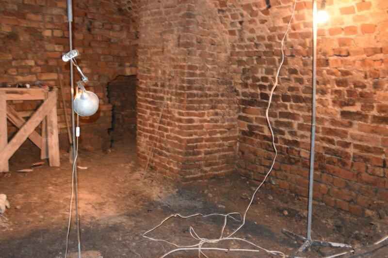 В Луцке раскопали подземелья / фото volynpost.com