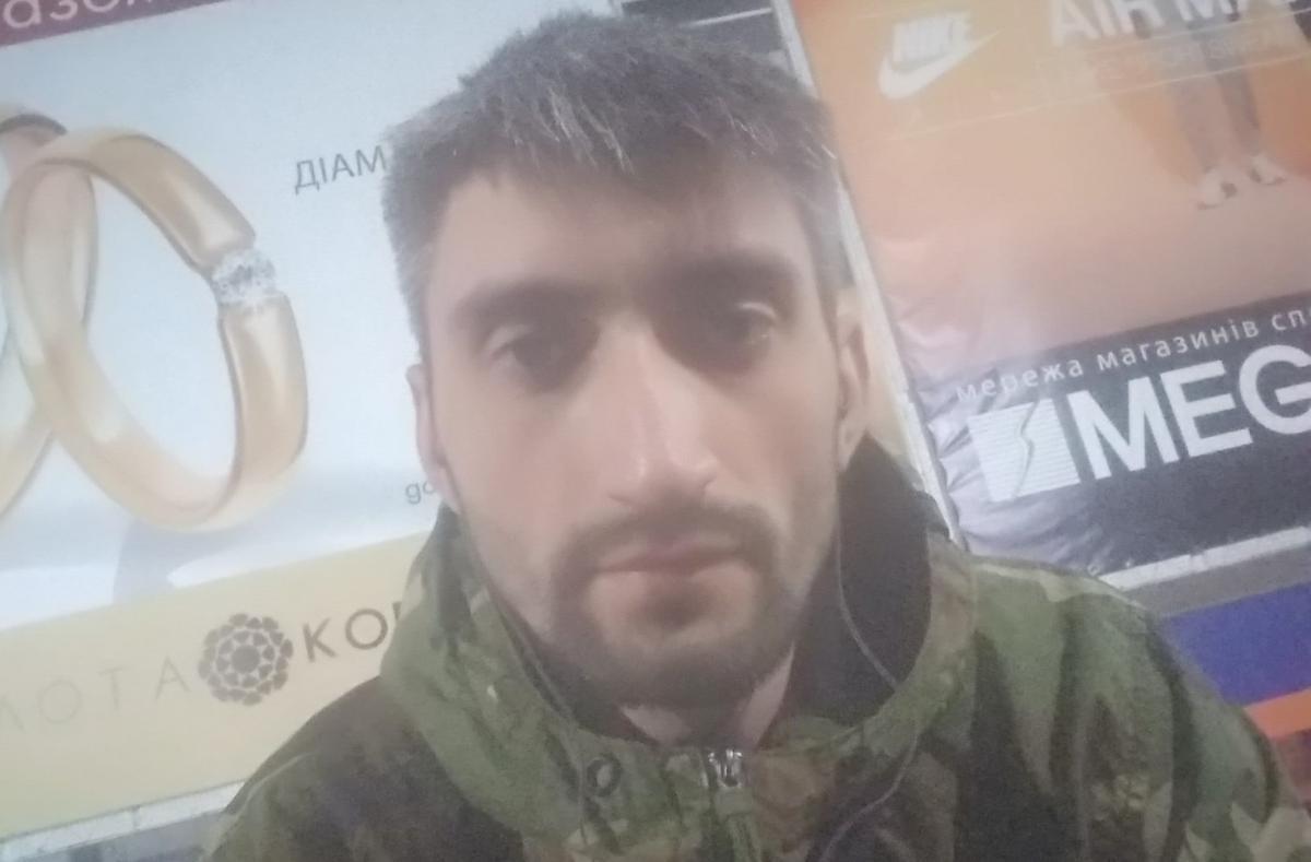 Топаз, дай команду - зірку антимайдана затримали в метро Харкові / Facebook Кромського