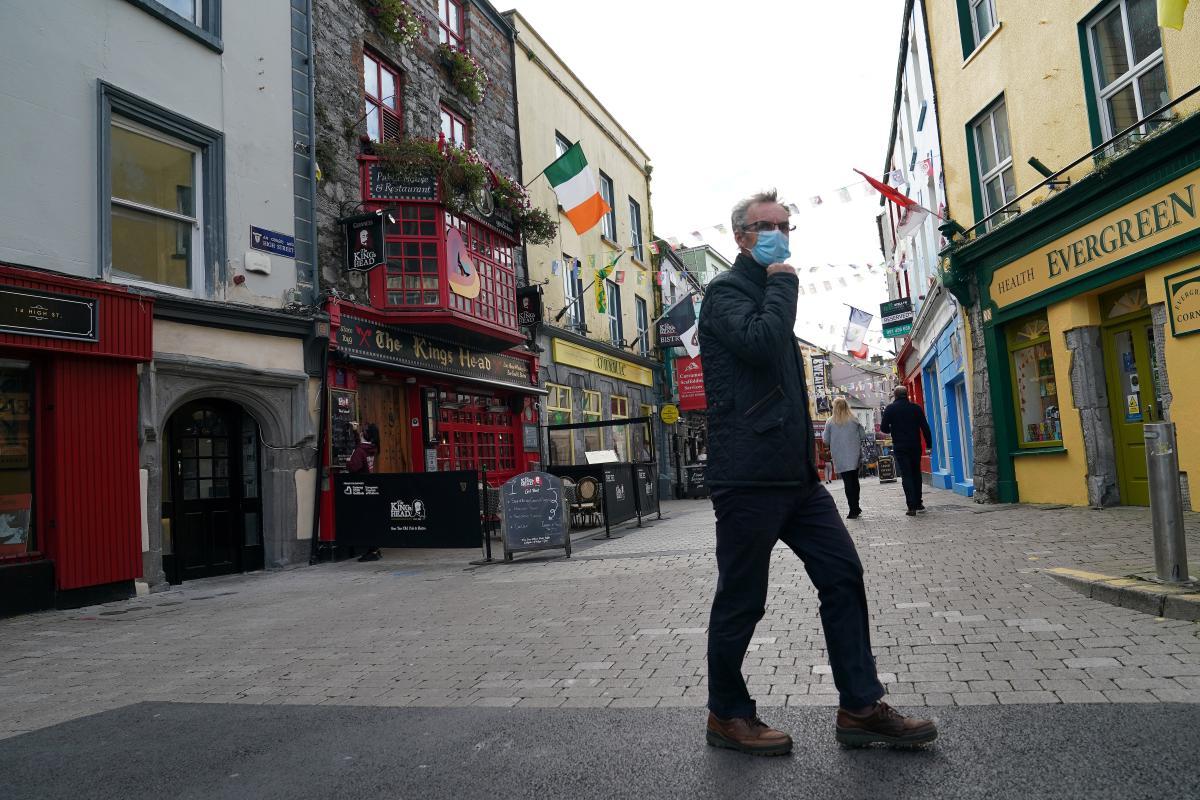 Ирландия введет штраф в 500 евро за домашние вечеринки / REUTERS