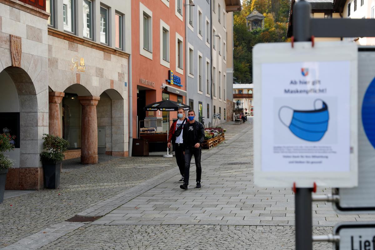 """В Германии хотят создать """"тюрьму"""" для злостных нарушителей карантина / фото REUTERS"""