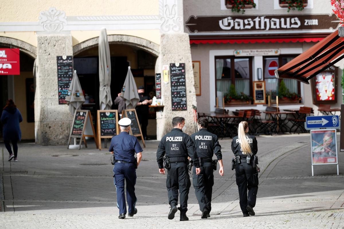 Німеччина поступово послаблює карантин / фото REUTERS