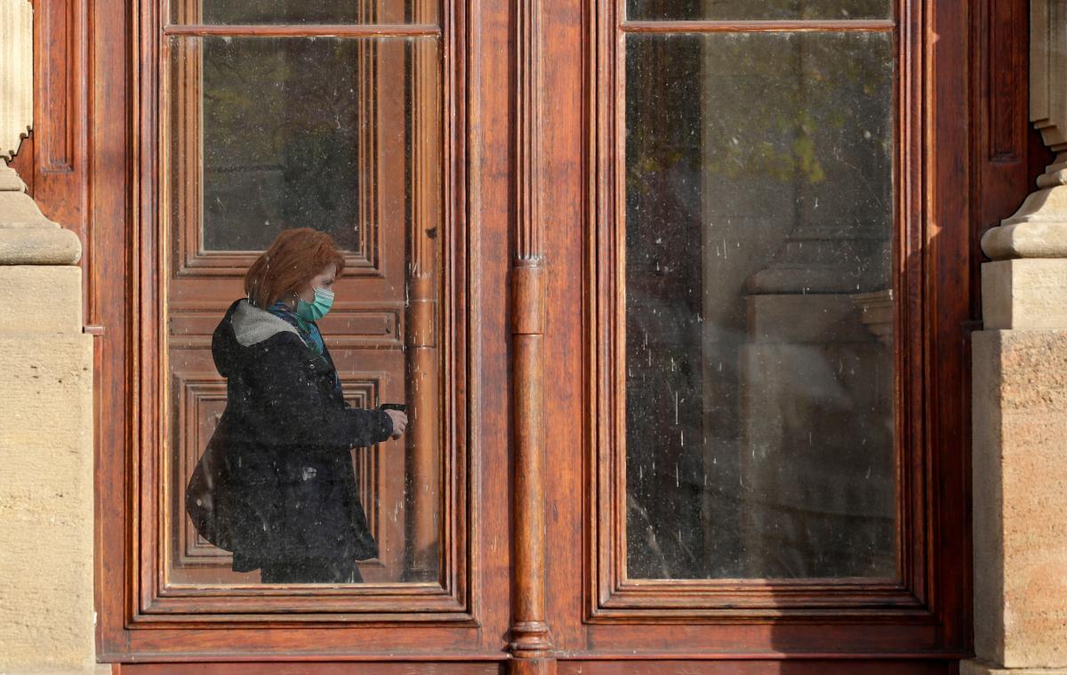 """Ситуация с COVID-19 в Украине остается """"достаточно напряженной"""" / фото REUTERS"""