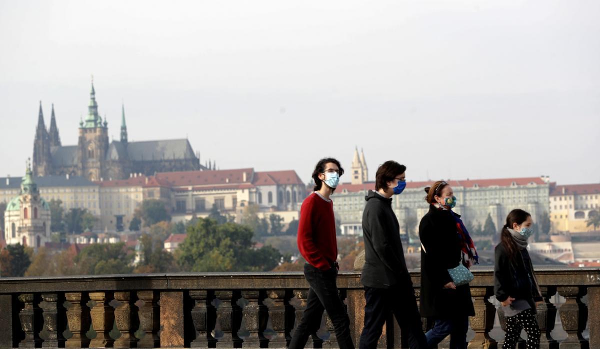 Коронавірус в Україні та у світі 23 жовтня - останні новини, кількість жертв / REUTERS