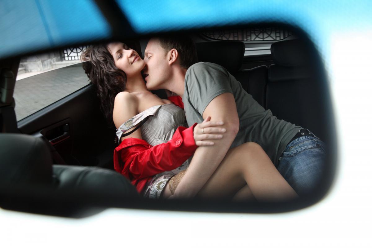 7 лучших секс-поз, которые можно использовать в ситуациях, когда откровенно не хватает пространства/ фотоua.depositphotos.com