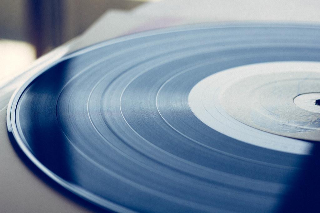 В 1949 году фирма RCA выпустила первую виниловую пластинку на 45 об/мин / фото flickr.com