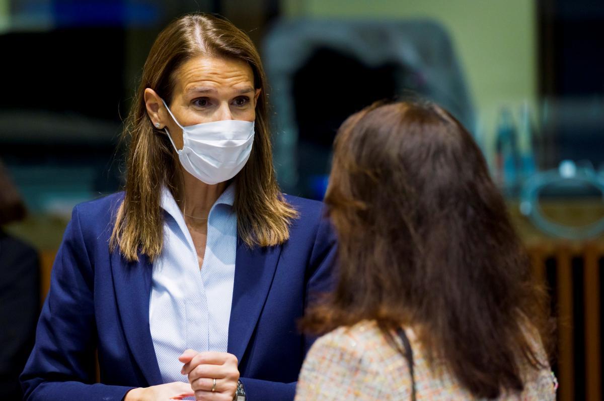 Министра Бельгии подсоединили к ИВЛ, у нее диагностировали коронавирус / Софи Вильмес, REUTERS