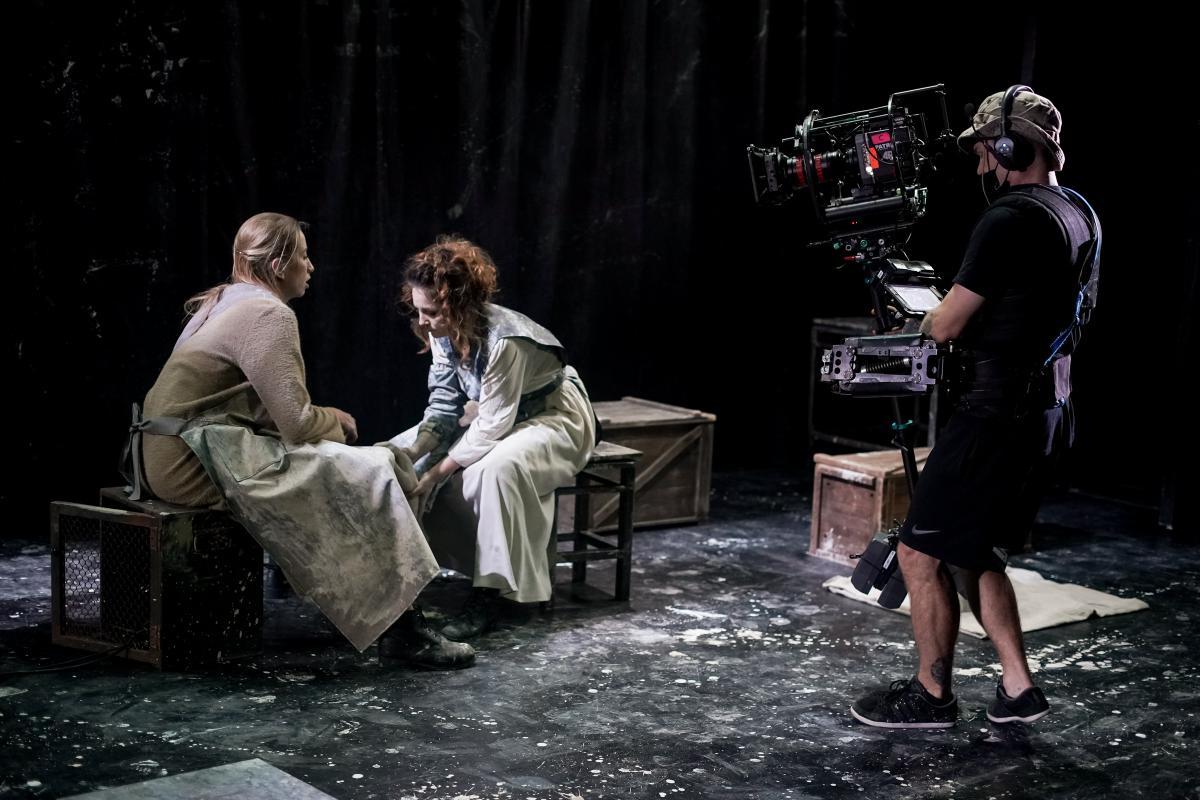 """""""Театр 360 градусів"""" покаже 10 перших прем'єр вистави безкоштовно / фото Сергій Кустов"""