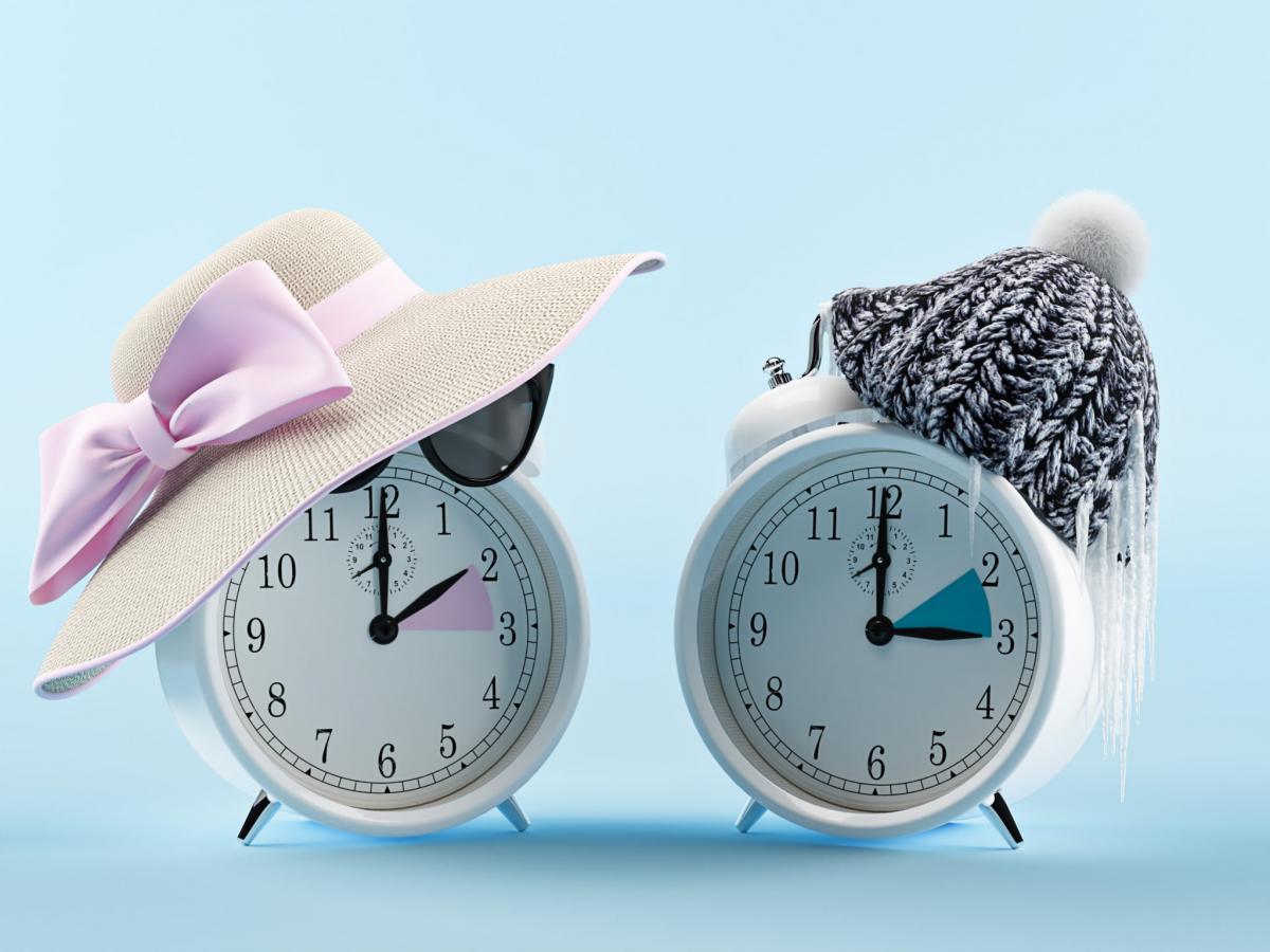 Когда в 2021 году в Украине переводят часы на летнее время / фото Shutterstock