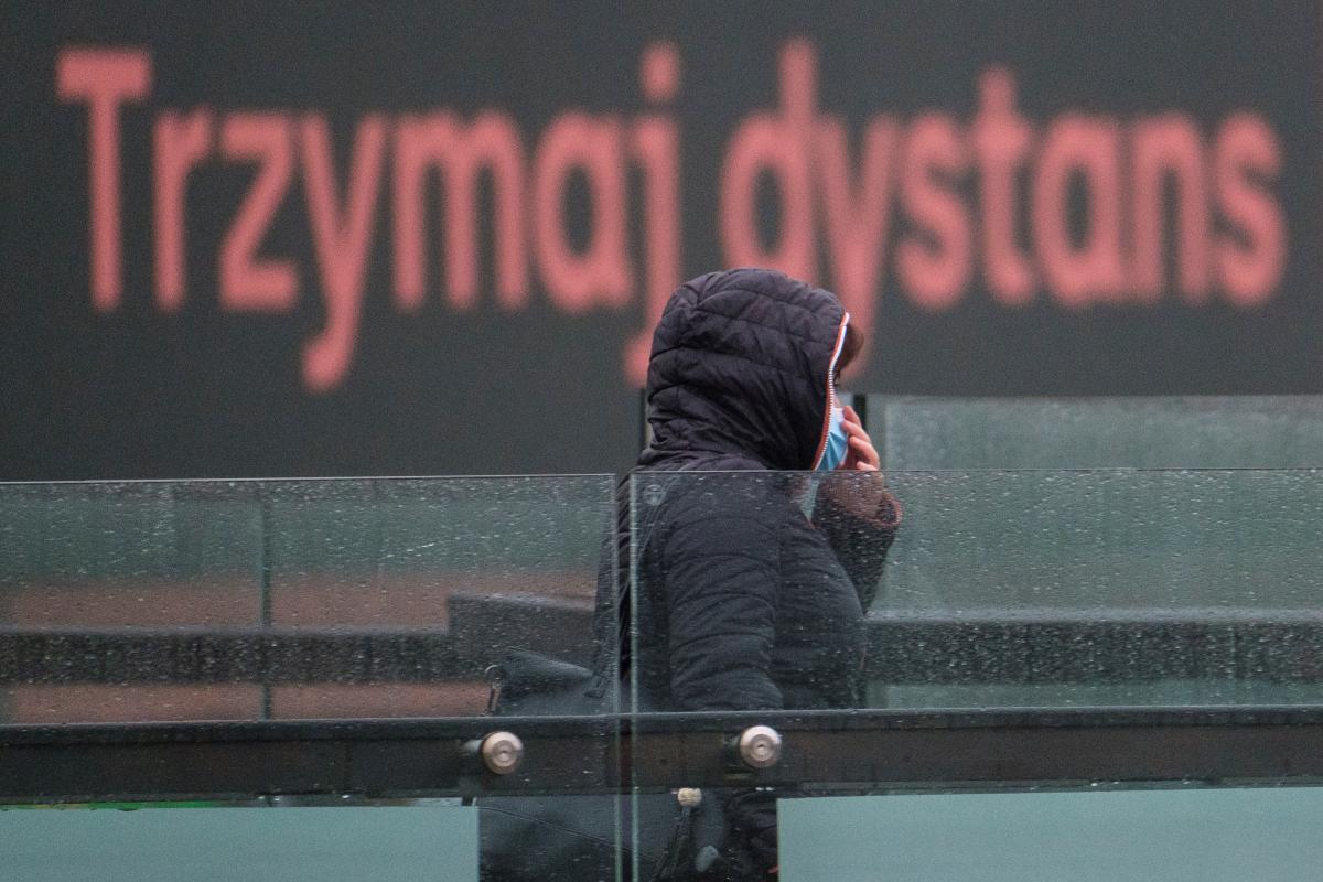 Польша вводит новые ограничения в связи с распространением коронавируса / фото REUTERS