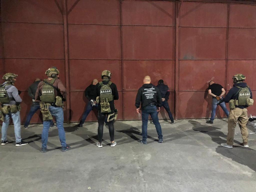 Преступники обеспечивали функционирование канала контрабанды кокаина / Фото mvs.gov.ua
