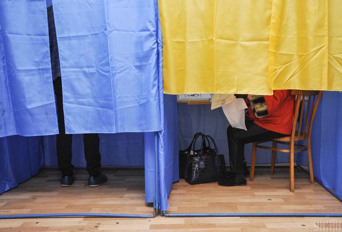 """Вместе с выборами проводился и """"опрос Зеленского""""/ фото УНИАН"""
