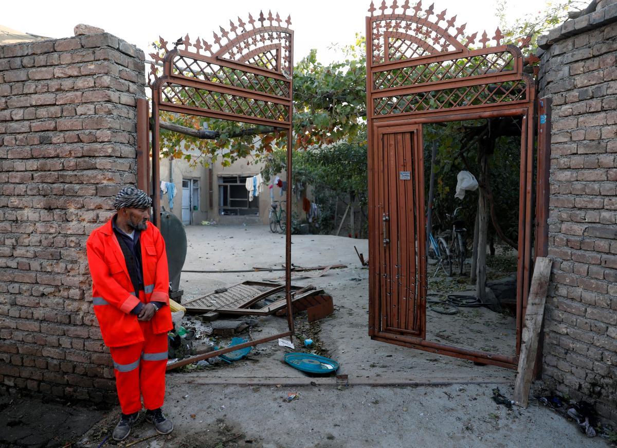 Смертник напал на частную школу в Кабуле / фото REUTERS