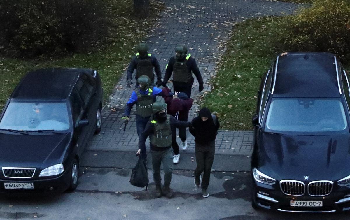 Силовики начали жесткие задержания в Минске / фото REUTERS