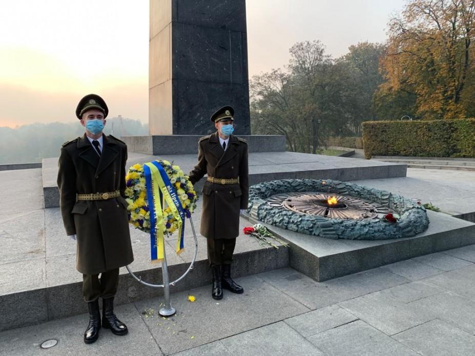 В Украине отмечают 76-ю годовщину освобождения от фашистских захватчиков/ фото president.gov.ua