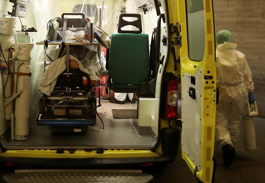 Коронавірус новини - хто відповідає за закупівлю кисню у лікарні/ фото REUTERS