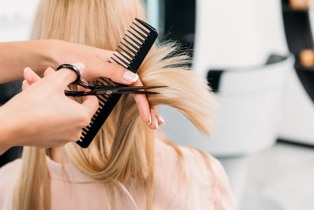 Правильний догляд за волоссям / фото ua.depositphotos.com