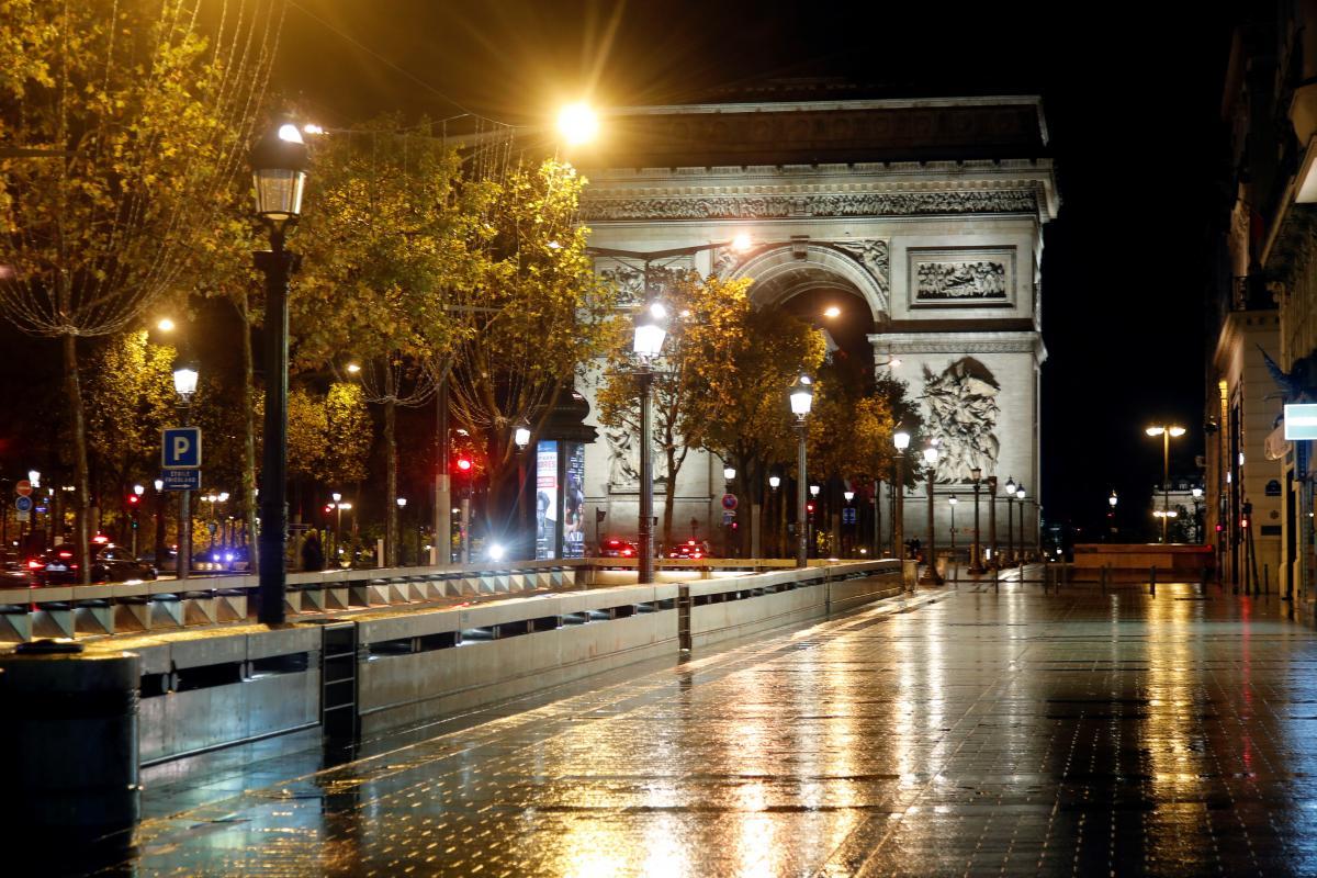 Париж во время локдауна / фото REUTERS