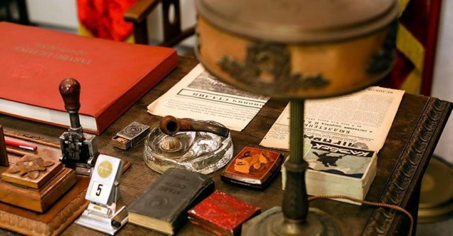 Експозицію музею розпродадуть / фото KGB Spy Museum